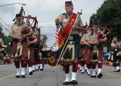 Rochester Scottish Pipes & Drums // On The March